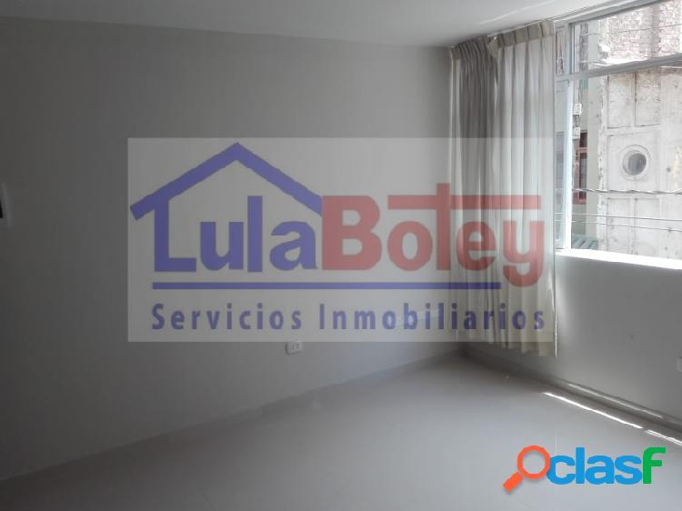 Alquilo o vendo oficina 2° piso - pleno centro de chiclayo