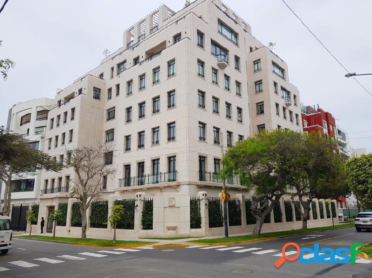 Departamento en Venta en San Isidro Estreno Flat 3 Dormitorios Lujoso Frente a Parque