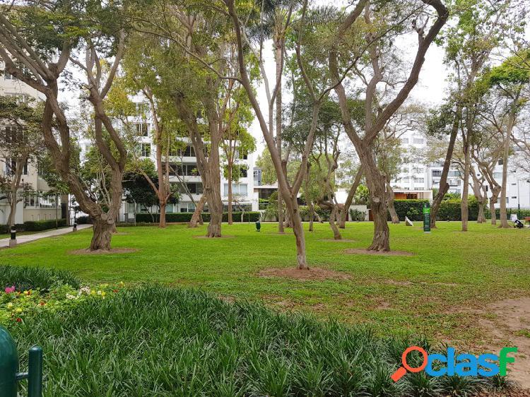 Departamento en Venta en San Isidro Estreno Flat 3 Dormitorios Lujoso Frente a Parque 2