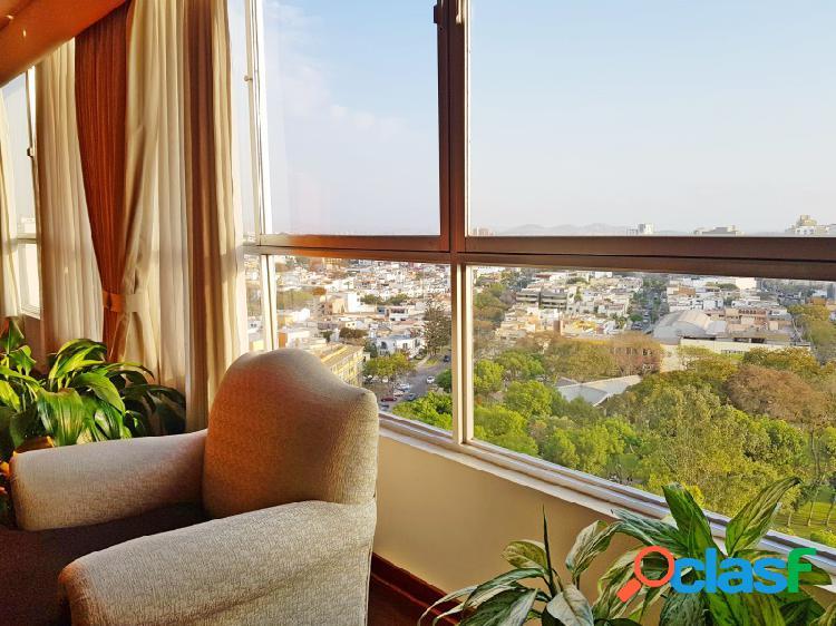 Departamento en venta en miraflores hermoso con vista a parque 3 dormitorios céntrico