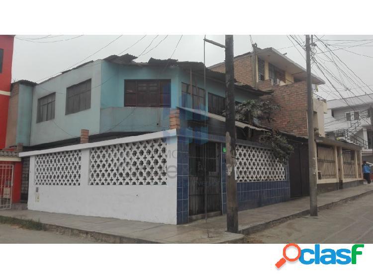 Casa de 2 pisos en venta en comas - a.t. 200 m2 sinchi roca