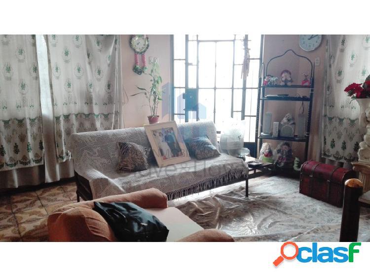 Casa de 2 pisos en venta en Comas - A.T. 200 m2 Sinchi Roca 3