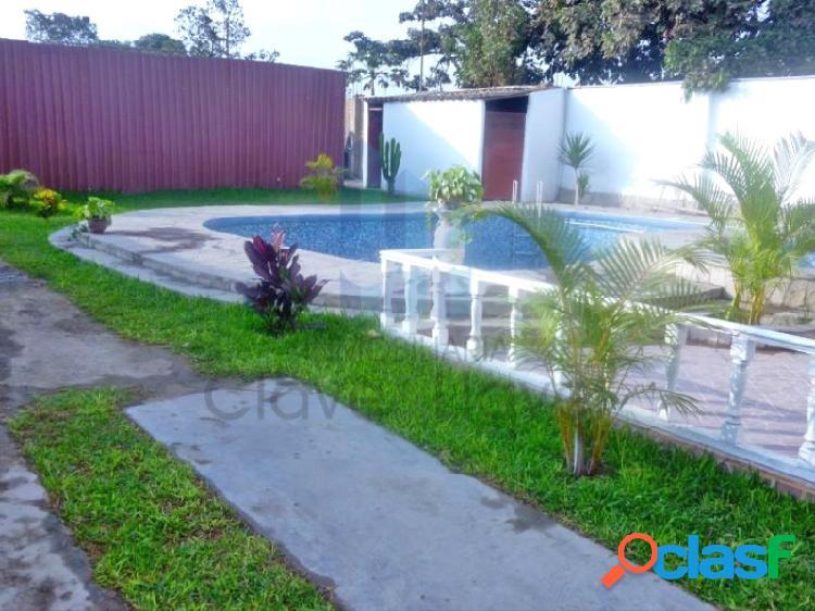 Terreno en venta con edificación para proyecto de departamentos, hotel o local comercial.