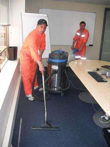 Lavado de alfombras al seco con shampoo antibacterial y
