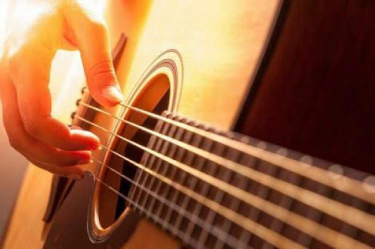 Clases de guitarra niños y adultos