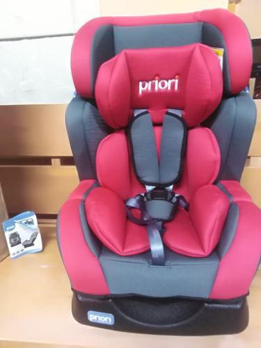 Silla de auto priori para niños nueva