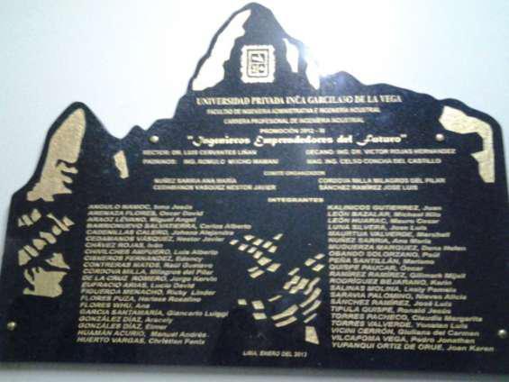 Placas recordatorias de mármol y granito en Lima