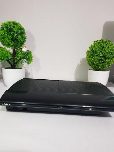 Playstation ps3 super slim 500gb + 4 juegos originales