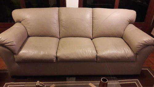 Juego de sala casi sin uso, tres muebles 3-2-1 tapizado en c