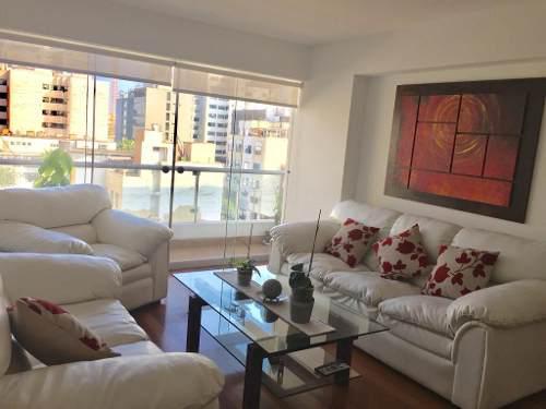 Juego de sala, muebles, cojines y mesa de centro