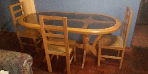 Mesa comedor y mueble de sala