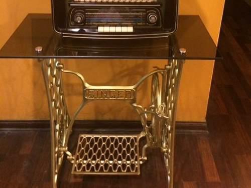 Mesa vintage de máquina singer