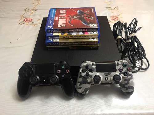 Ps4 + 2 mandos + 3 juegos (precio negociable)