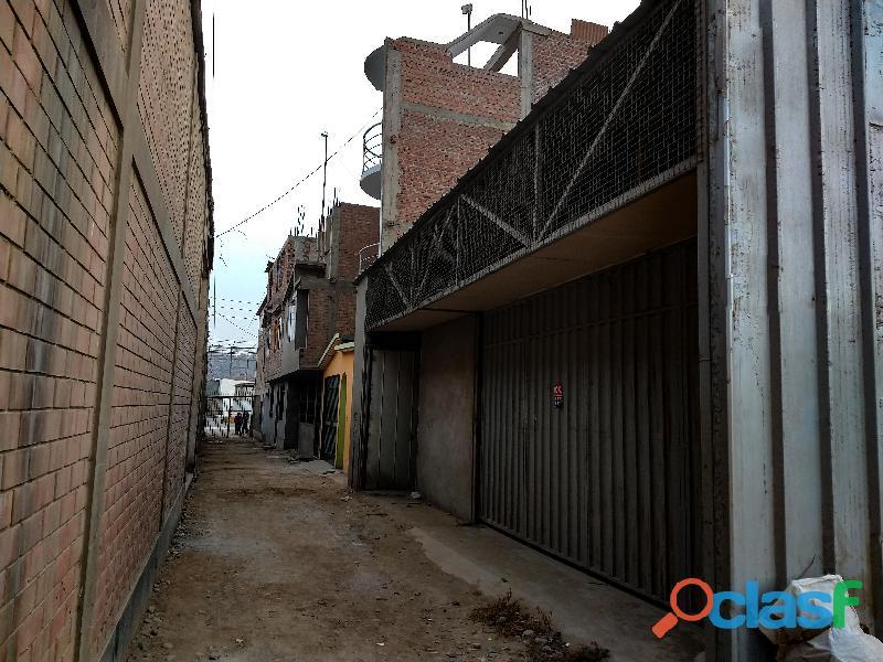 Vendo local de 225 m2 para taller o almacén en zona industrial muy cerca a kola real huachipa.