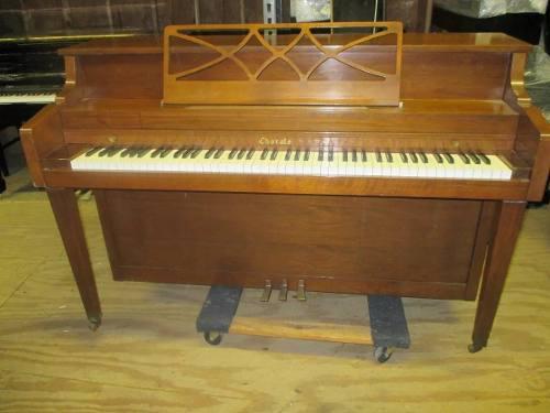 Piano usado marca chorale de kawai importado de usa
