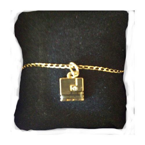 Cadena oro diseño esika regalo