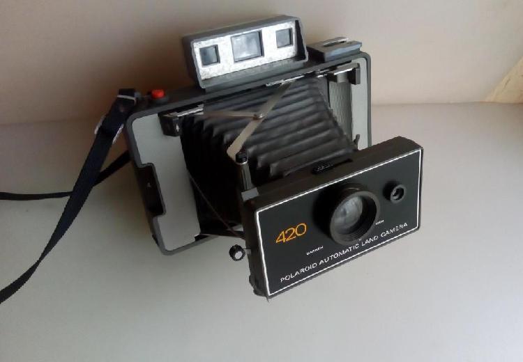 Antigua camara polaroid 420a fuelle