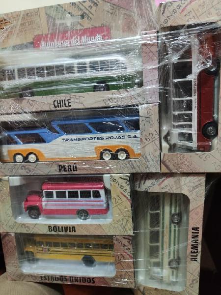 Autobuses Del Mundo en Miniatura