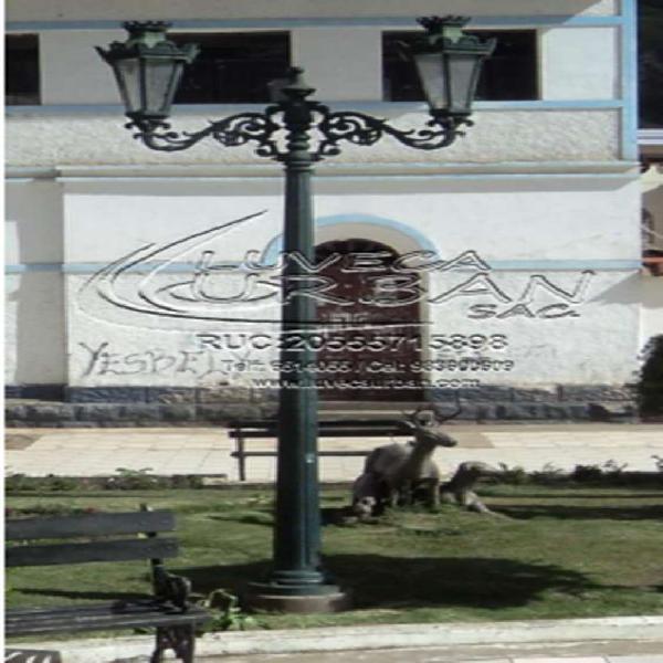 Postes y bancas de fierro fundido para plazas en lima