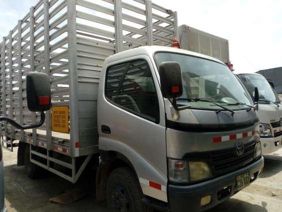 Camión toyota dyna 400 turbo dsl en Ica