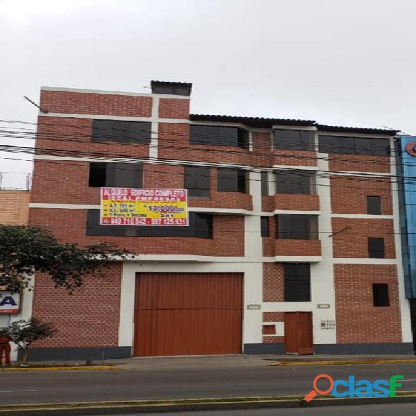 Alquilo edificio para empresa en breña, centrico, frente al ino, av. tingo maria breña