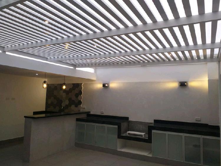 techo aluminio color BLANCO y MADERA