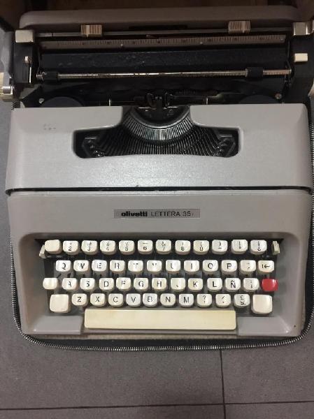 Maquina escribir olivetti con estuche