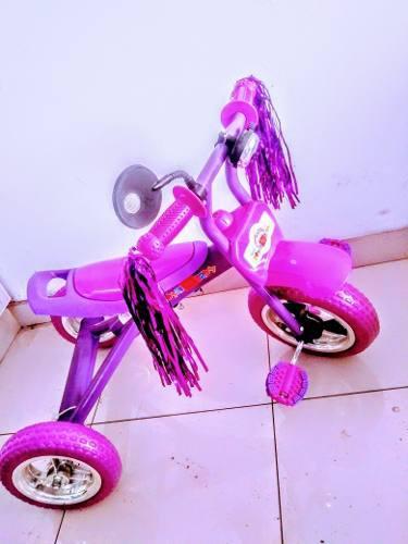 Triciclo de niña