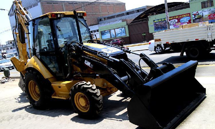 Vendo retroexcavadora cat 430e it 2006