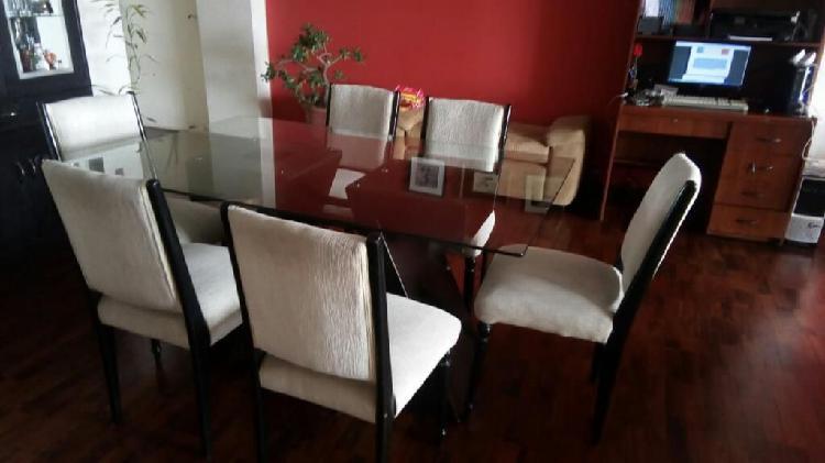 Juego de comedor mesa y seis sillas