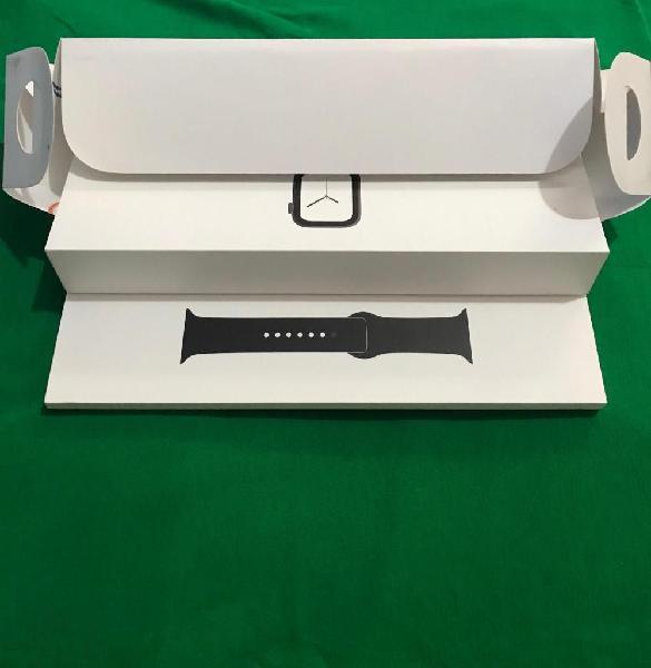 Vendo apple watch serie 4 de 44mm 10/