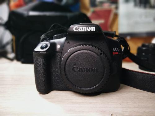 Cámara Canon Rebel T6 + 50mm + 18-55mm + Accesorios