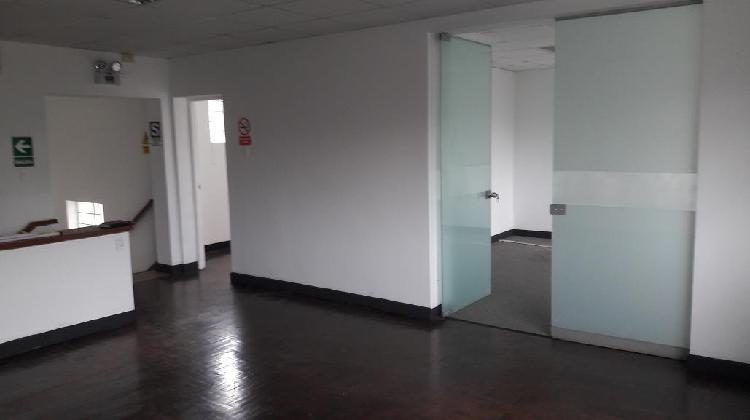 Alquilo oficina miraflores/ ubicadisima 190 m² segundo piso