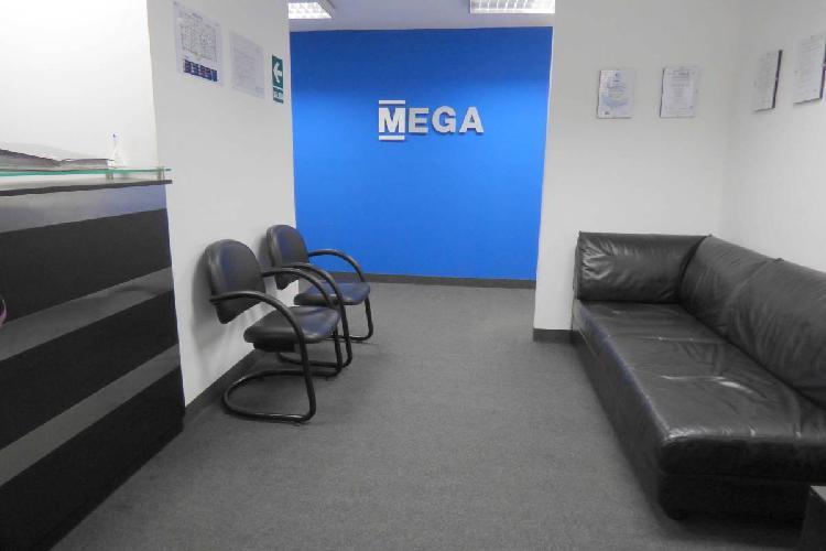 Oficina en edificio empresarial - alquiler san isidro centro