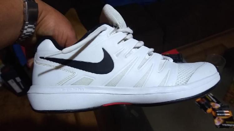 Tenis Blancas