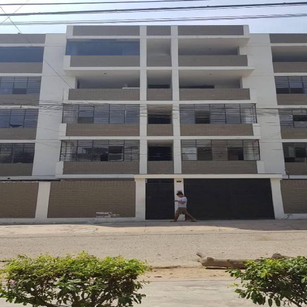 Vendo amplia casa/local de 1600 m² de área construida, 320