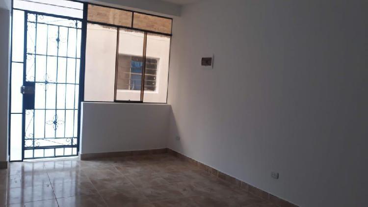 Departamento en alquiler en 1er piso urb. villa marina