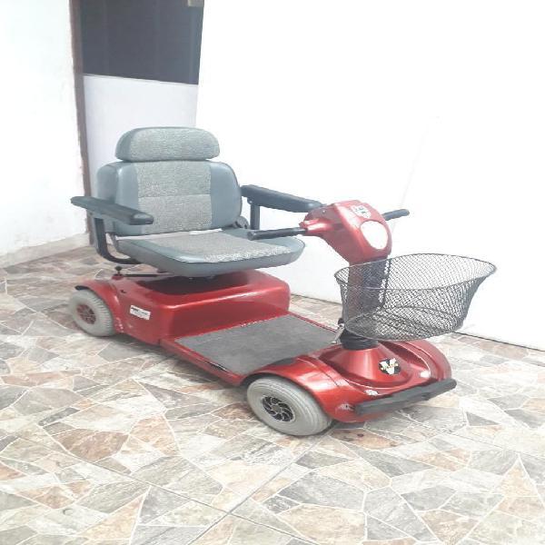 Silla de ruedas eléctrica modelo scooter