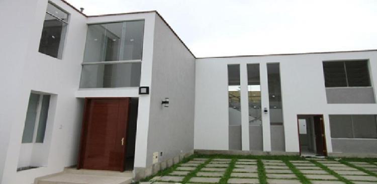 Casa 1 condominio de estreno sol de la molina iii 300 m²