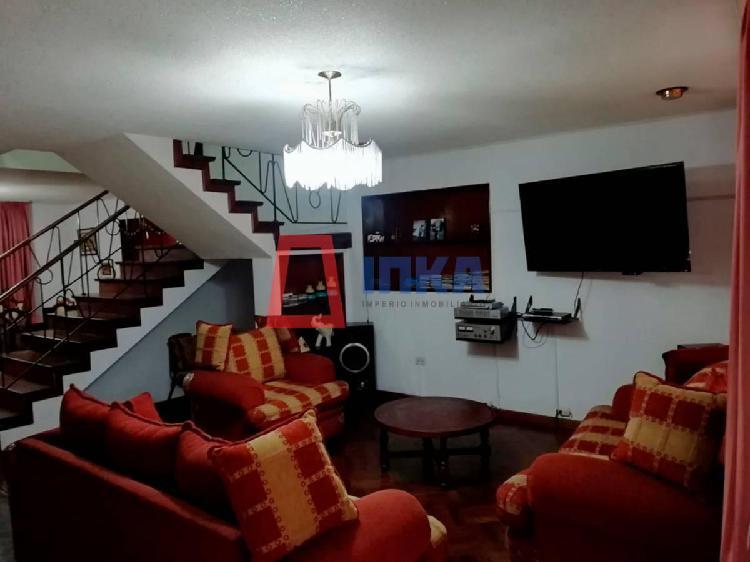 Excelente casa en venta con buena ubicación en pueblo libre