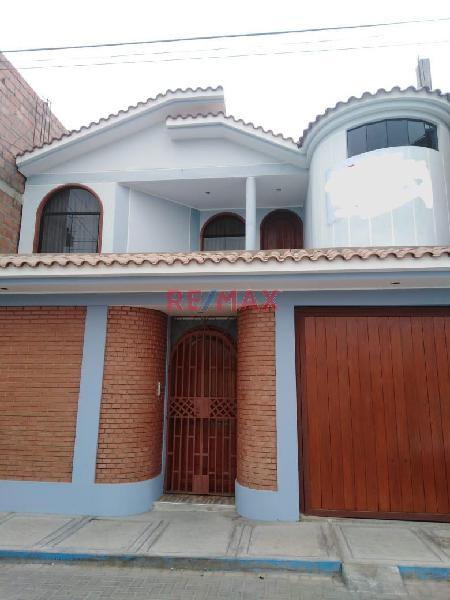Id se vende linda casa en zona residencial cercado.
