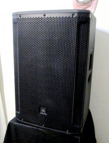 """Parlante amplificado JBL Srx815p de 15"""",2000w"""