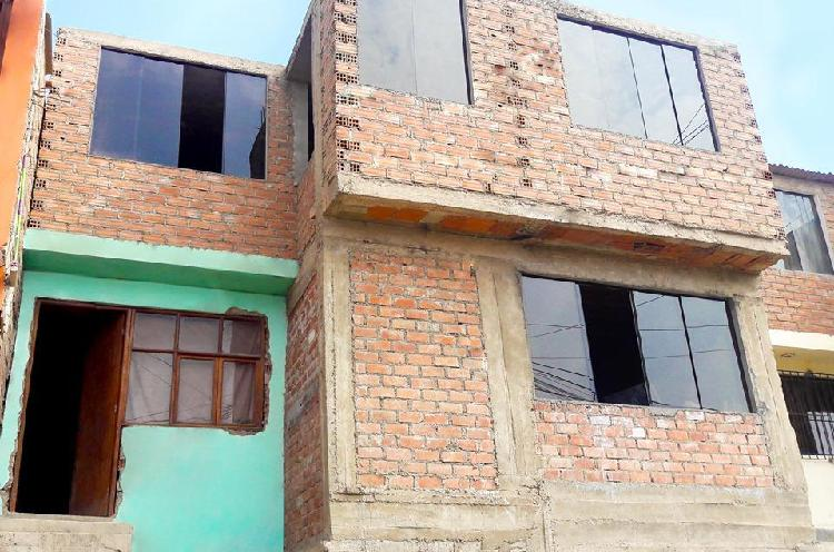 Remate de casa de dos pisos sobre área de terreno de 180