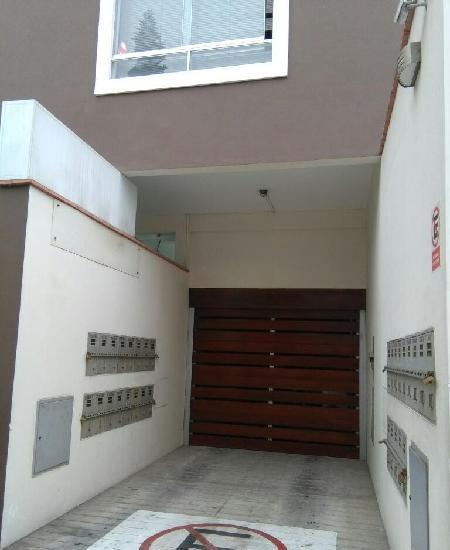 garage alquilo en Miraflores.