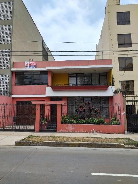 Casa/terreno, 300 m² frente av los patriotas zona