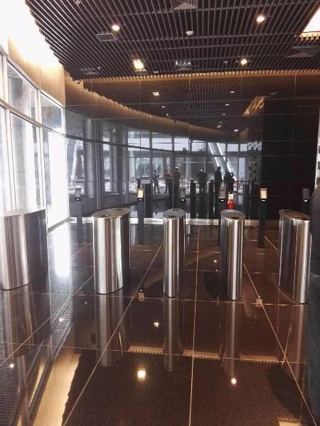 Alquiler de oficina empresarial de alto nivel en edificio