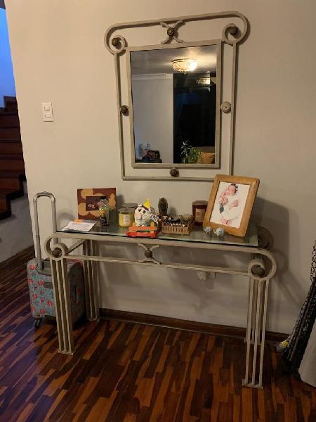 Mesa entrada espejo