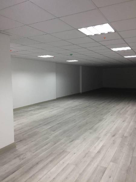 Amplias y modernas oficinas de 119 m² en miraflores