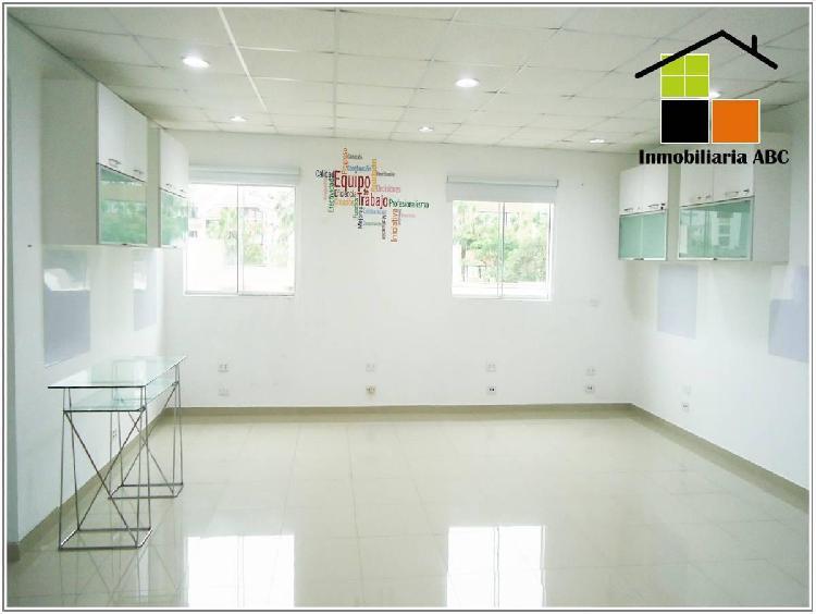 Oficina cerca velasco astete y benavides con 4 ambientes