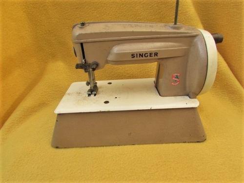 Tesoros maquina de coser singer de juguete ingland